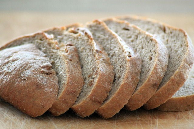 bread-882736_640 from Pixabay.com